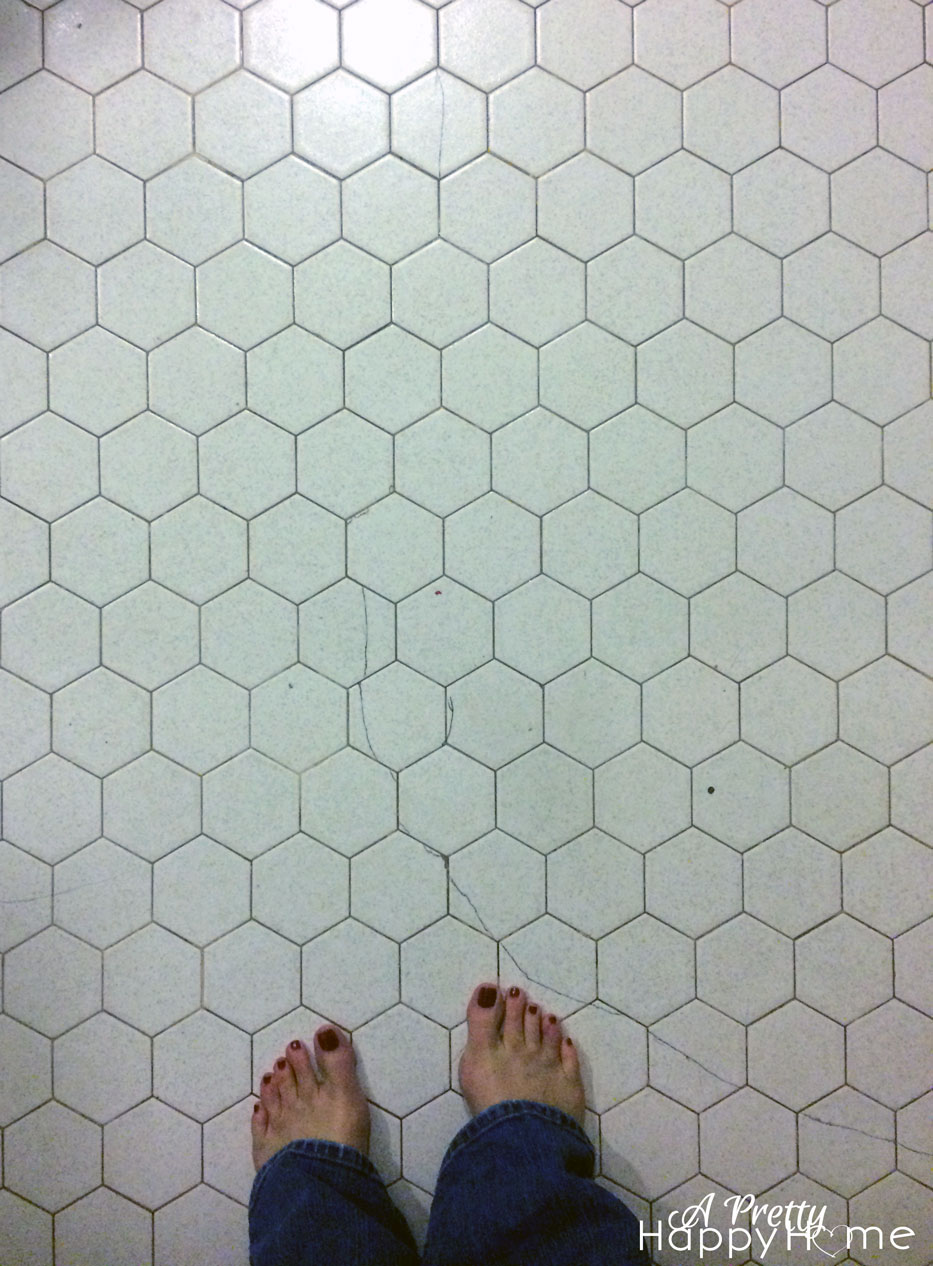 how to clean dark colored grout