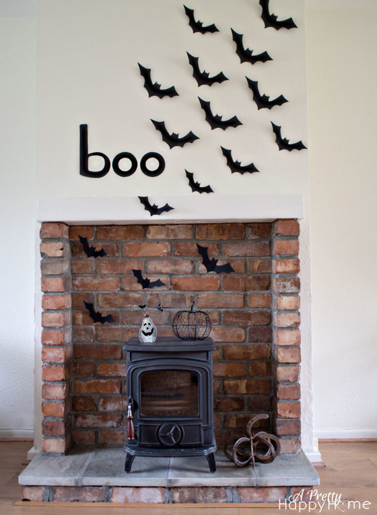bat-mantel-3
