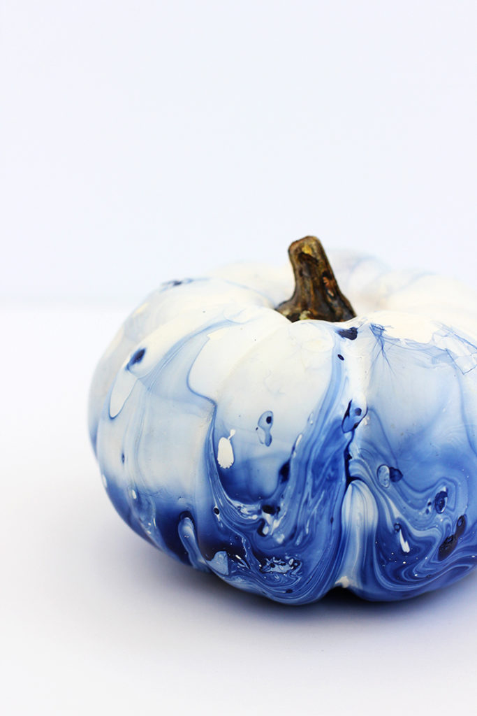 diy-marbled-indigo-pumpkins-17