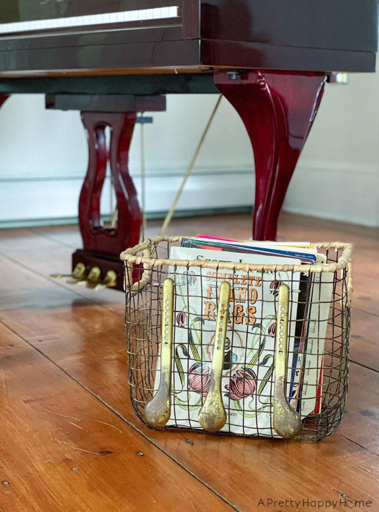 piano pedal basket embellishment